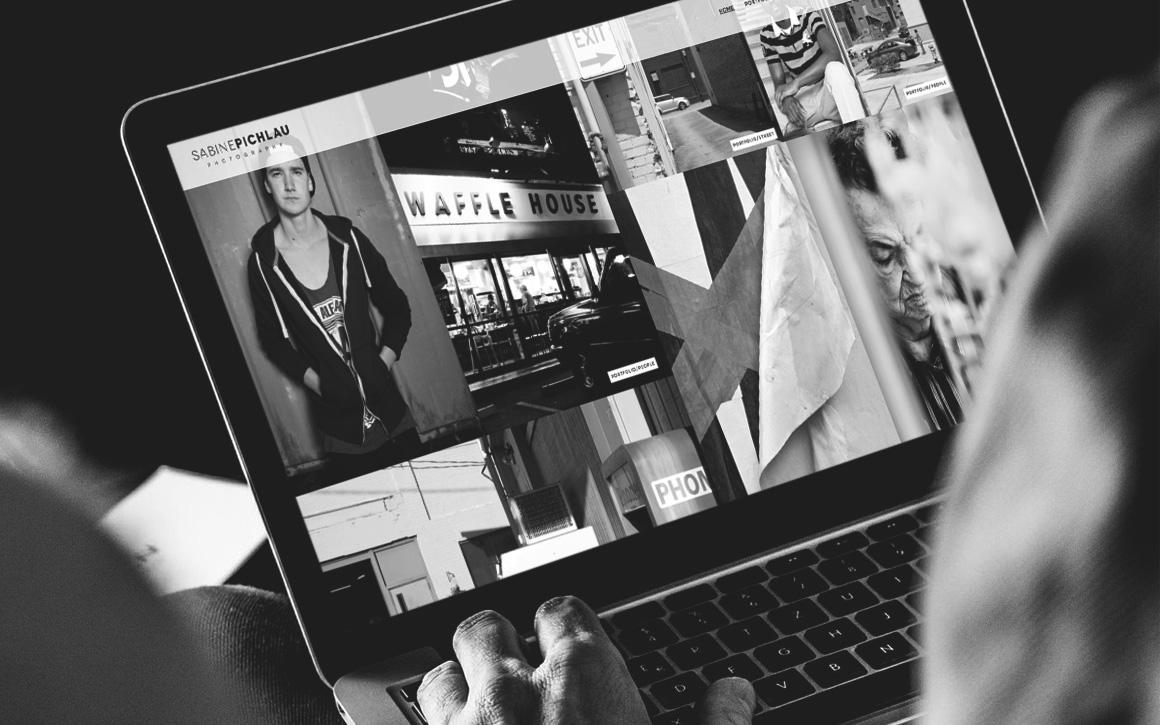 webansicht auf laptop der internetseite von sabine pichlau photography